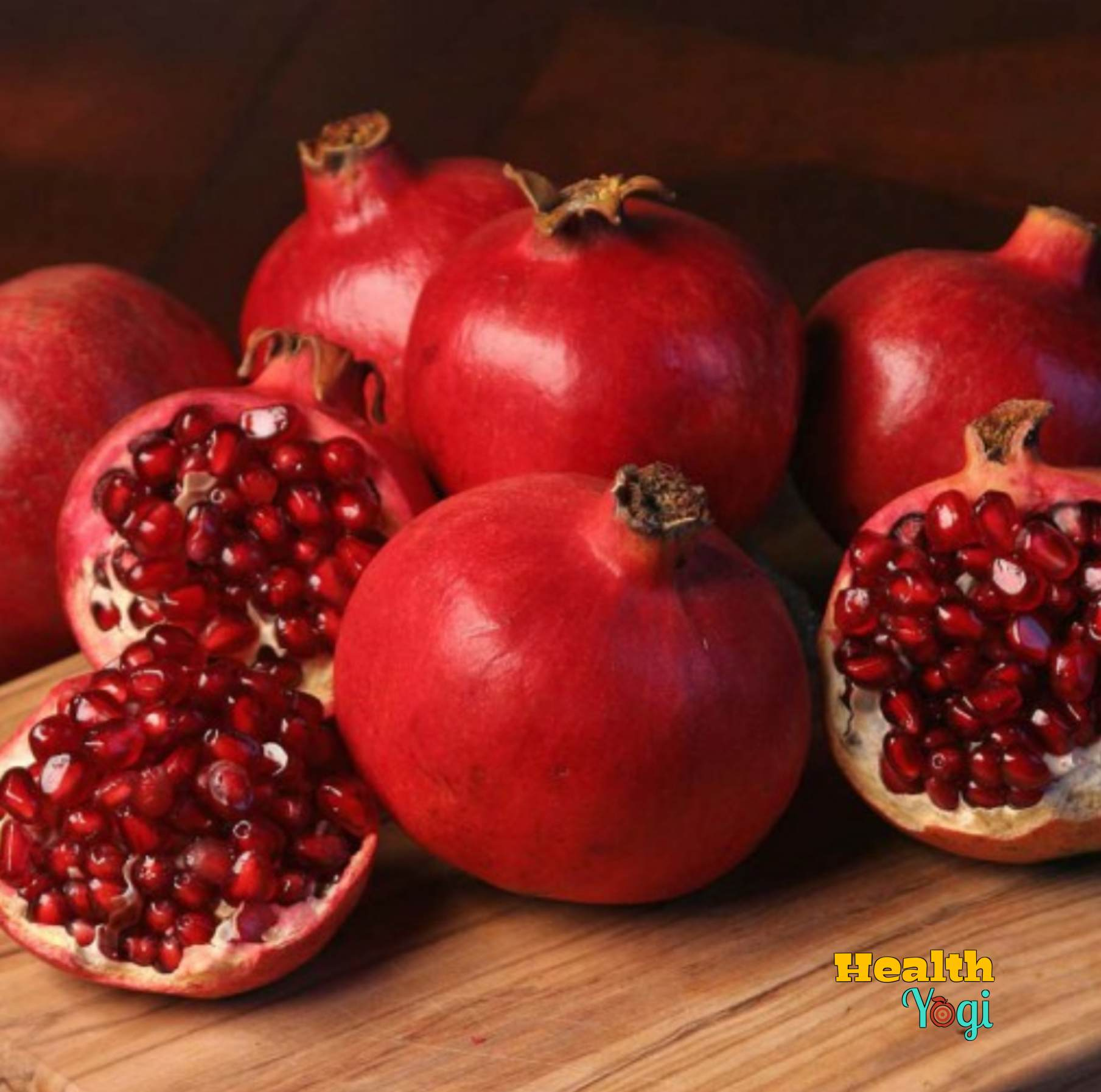 What does Pomegranate do to your face? Are pomegranates good for acne?
