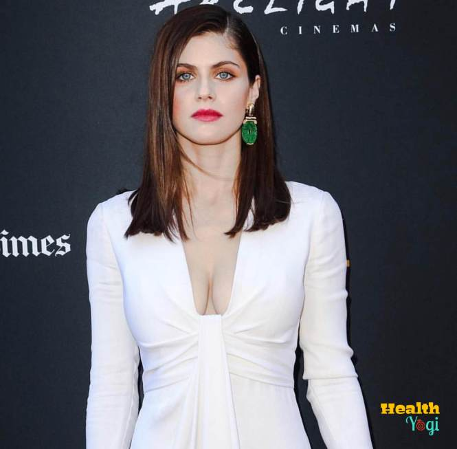 Alexandra Daddario beauty Secrets