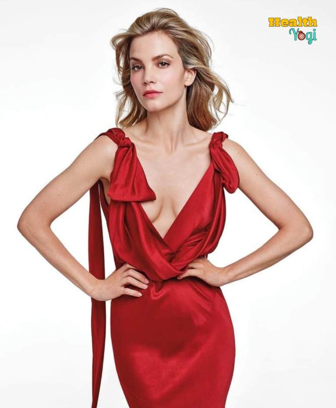 Sylvia Hoeks Diet Plan and Workout Routine