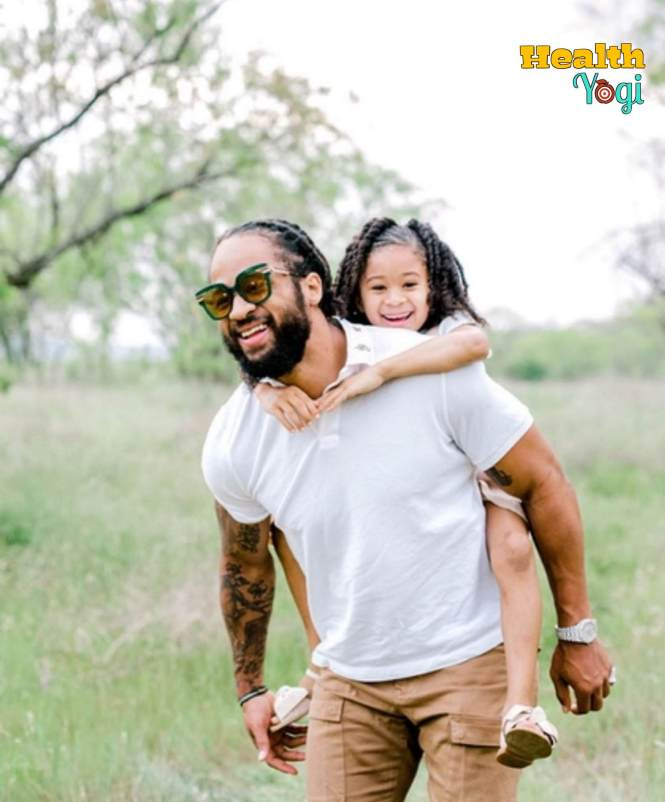 Earl Thomas with his daughter