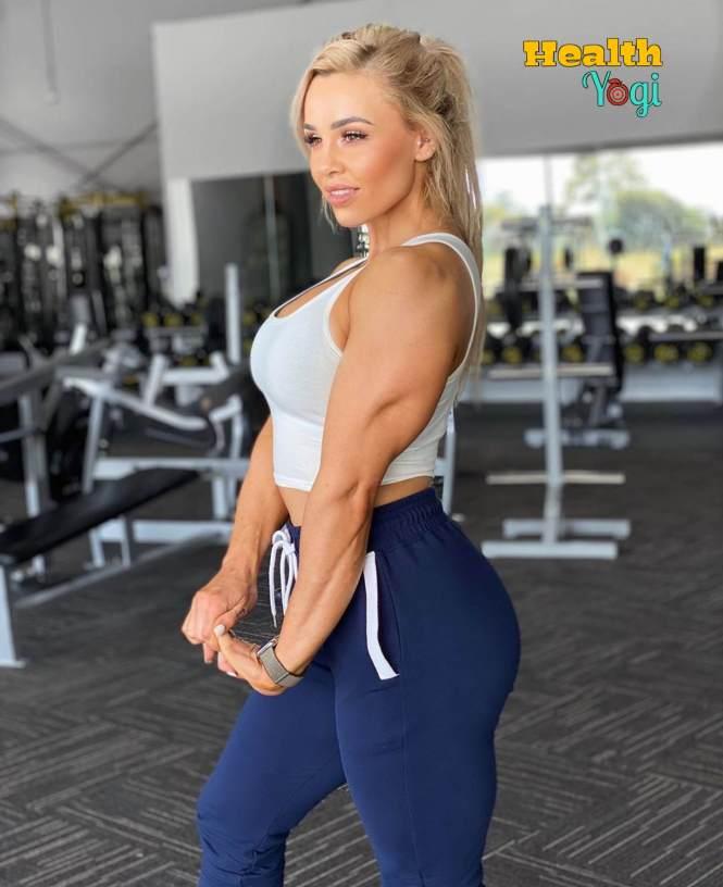 Stephanie Sanzo intense workout