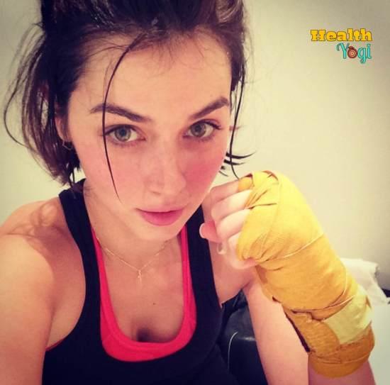 Ana De Armas after boxing exercise