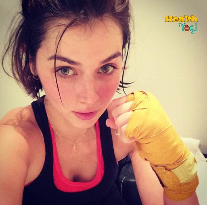 Ana De Armas after boxing exercise