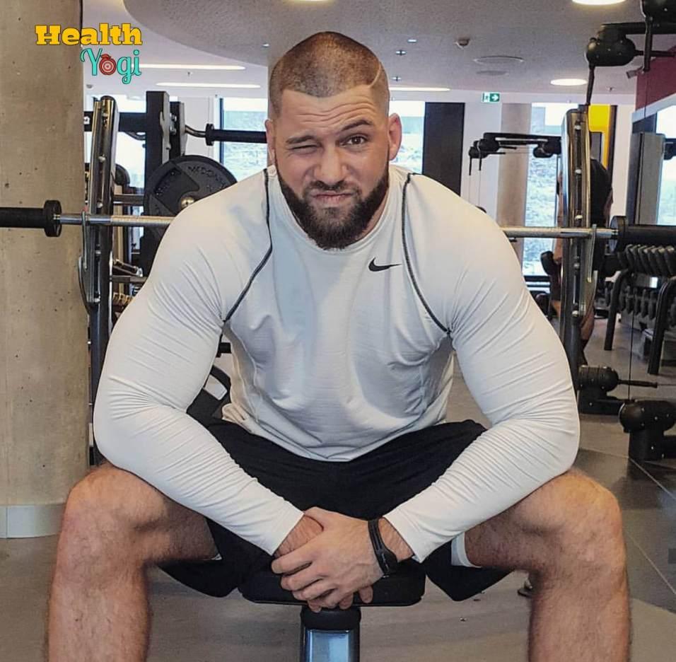 Florian Munteanu at gym