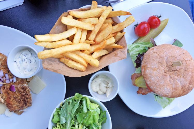 4x hamburgers eten in Utrecht