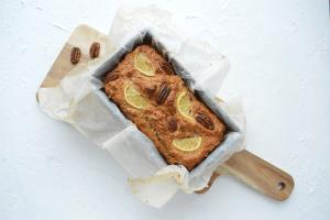 Citroencake met kwark en pecannoten