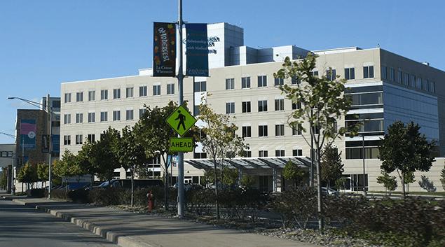 """Gundersen Lutheran Medical Center in La Crosse, Wisconsin. (<a href=""""https://commons.wikimedia.org/wiki/File:GundersenLutheranHospital.jpg"""">Wikipedia</a>)"""