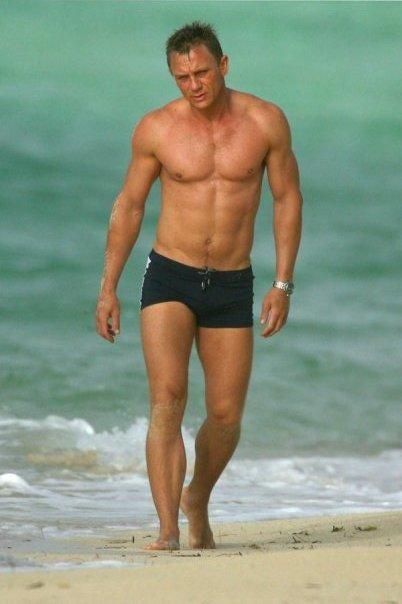 Daniel Craig Body