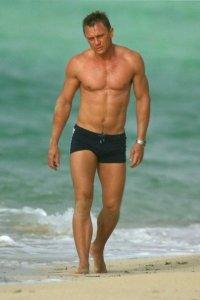 Daniel-Craig-body