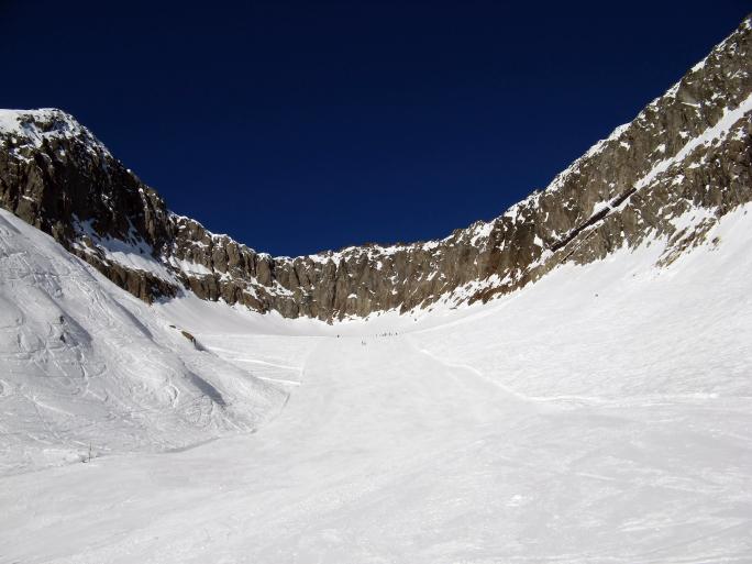 Majestic skiing area near Tschuggen (Wallis, Switzerland)