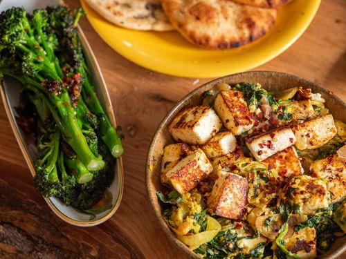 Stir fry paneer with broccoli