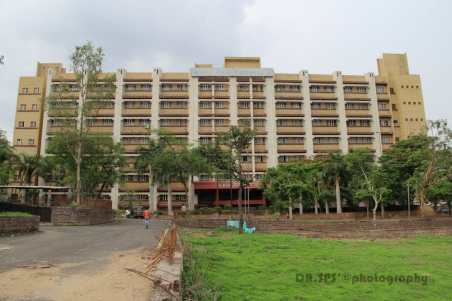 Kamla Nehru Hospital, Madhya Pradesh: By Tashu jal [GFDL (http://www.gnu.org/copyleft/fdl.html) or CC BY-SA 3.0 (http://creativecommons.org/licenses/by-sa/3.0)], via Wikimedia Commons