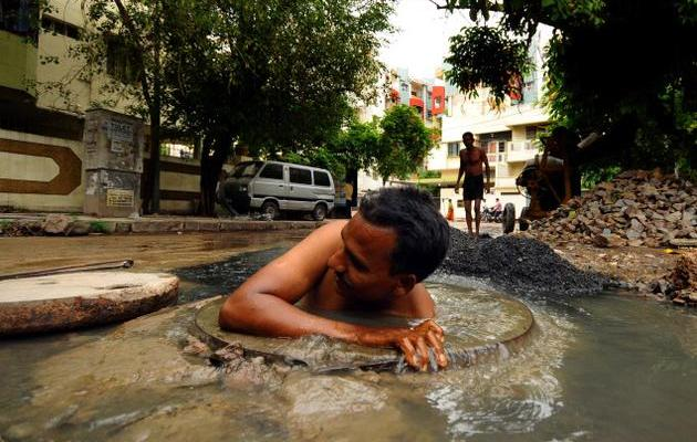 The danger in India's sewers