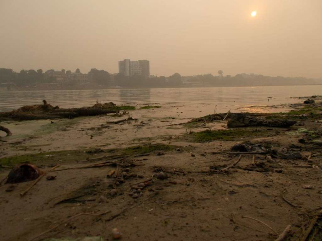 Indian rivers too polluted to sustain life