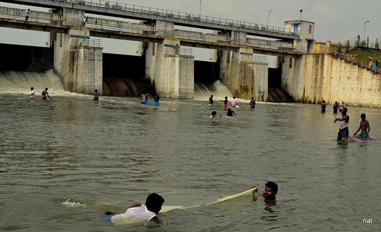 <em><strong>The Chembarambakkam Lake reservoir, whose water level stands at just one mcft feet against its capacity of 3,645 mcft. Image credit: கி.நடராசன் [CC BY-SA 4.0 (https://creativecommons.org/licenses/by-sa/4.0)]</strong></em>
