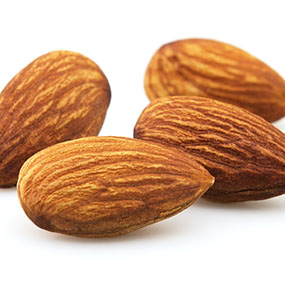 Nut Allergy: What Are the Symptoms?