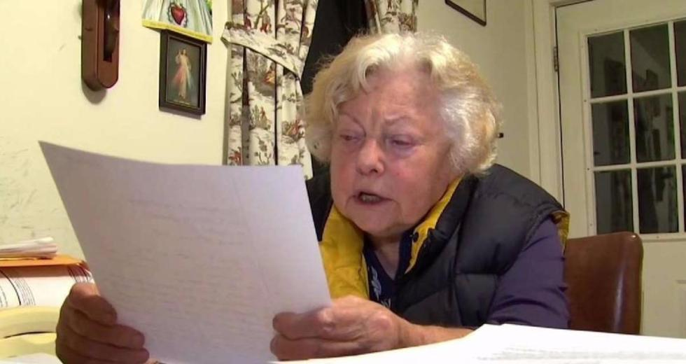 84-Year-Old Doctor Loses Medical License Because She's Bad At Computers