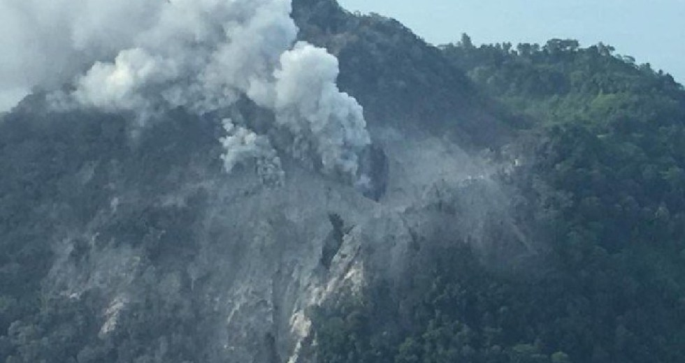 Surprise Eruption from Dormant Volcano in Papua New Guinea Forces Mass Evacuation