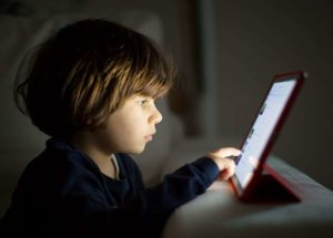 Screen Time Linked To Developmental Delays in Children