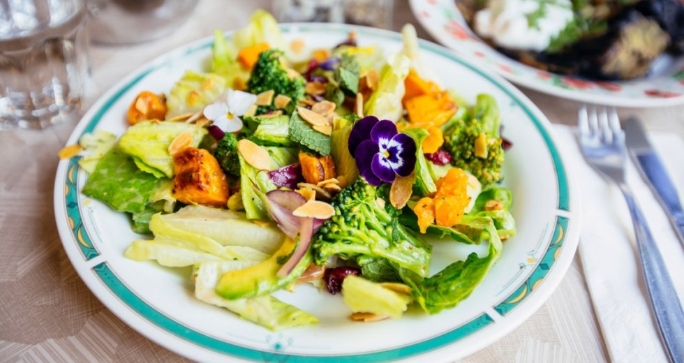 The Pegan Diet Is A Mix Of Paleo and Vegan Diets, Promoting For a Healthy Lifestyle, Experts Agree