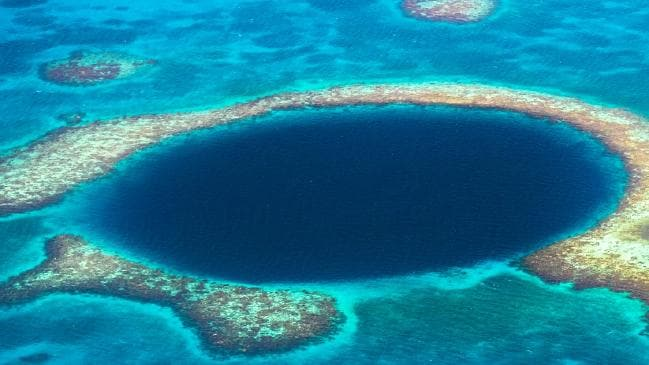 Great Blue Hole Of Belize Hides Many Secrets, But Scientists Just Revealed Some Of Them
