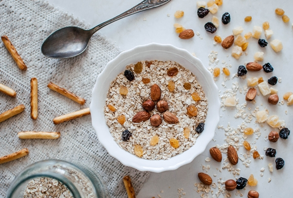 Eating Oatmeal Has These Great Effects Backed by Science