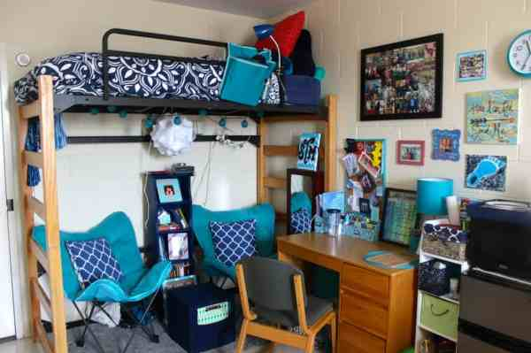 Coral and turquoise dorm room