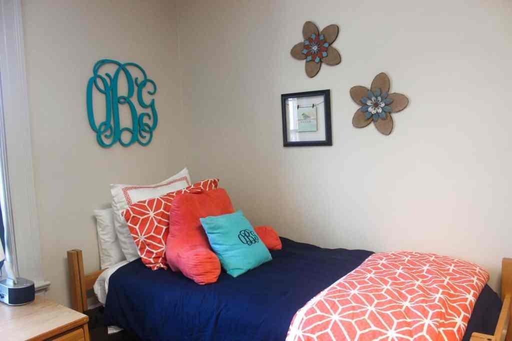 junior year dorm room (3 of 1)