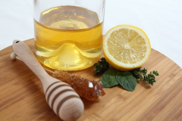 14-reasons-to-drink-warm-water-with-lemon-and-honey-in-the-morning