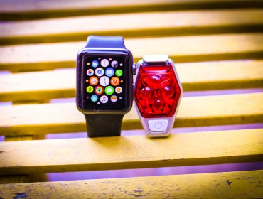 physical-activity-apple-watch-run-light-healthy-kids-play