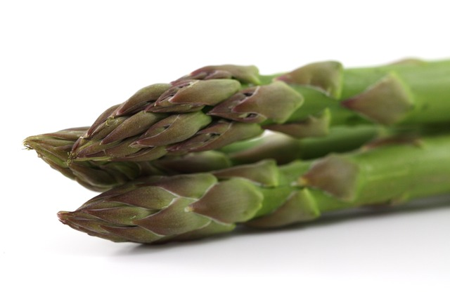 Fresh asparagus cooked is approx. 0.23mg per cup