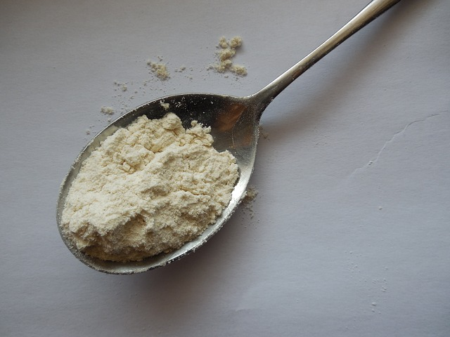 Whey, dried contains 4.0mg per 100g