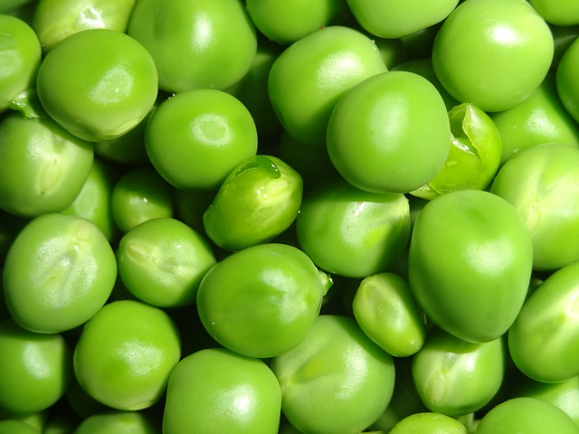 Peas can give you 0.45mg per cup