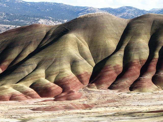 painted-hills-273451_640