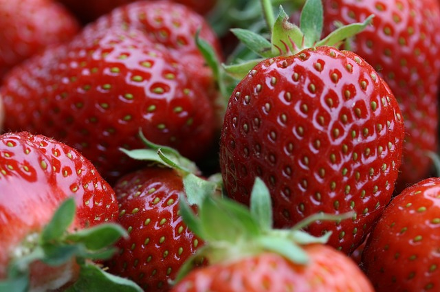 Strawberries 50mg per 1/2 cup