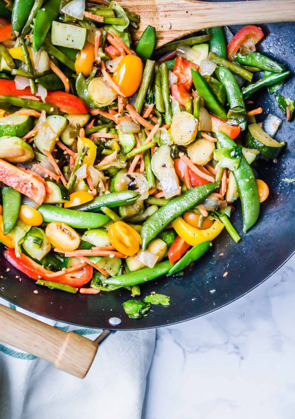 30 minute stir fry with maple peanut sauce by healthy little vittles