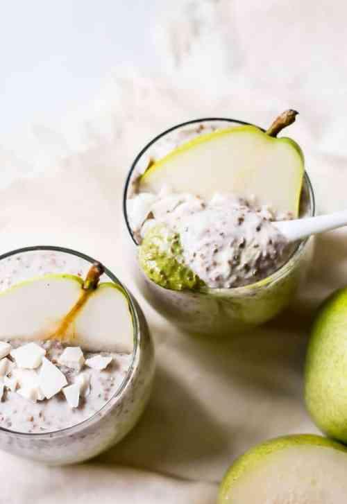 white chocolate pear chia pudding