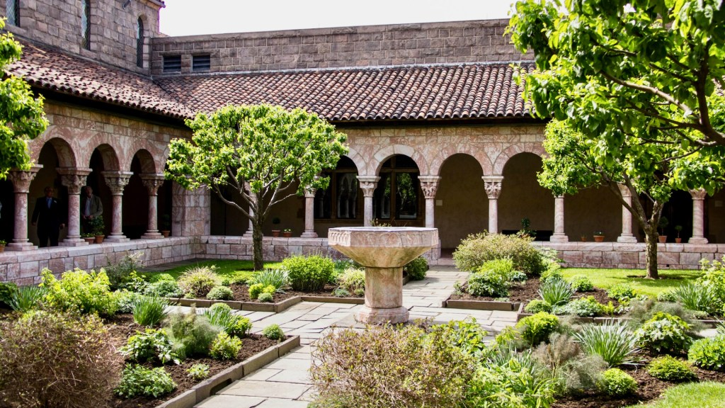 The Cloisters, New York CIty, Healthy Living + Travel