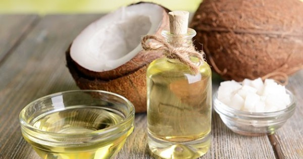 9 Reasons to Use Coconut Oil Daily (3 of these are shocking)!