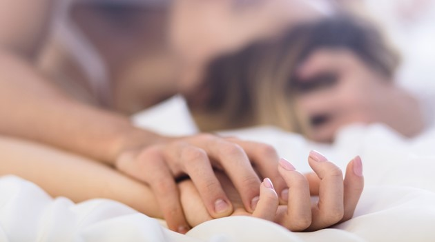 """What should a wife focus on to strengthen sexual intimacy with her husband? Well, not many things. Here are my top 4 """"dos"""" and 3 """"dont's"""" for better sex!"""