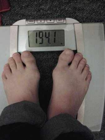 I started out weighing 200-pounds and by the 10th day I ended up weighing in at 194.1-pounds By Petunia from Amazon.com