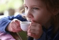 pic-child-drinking-tea