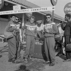 Coca Cola drinkende deelnemers Olympische Spelen *18 juli 1952
