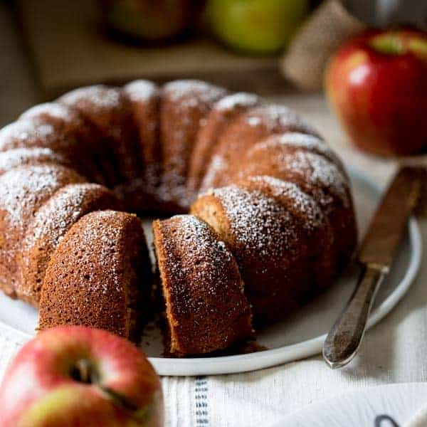 Healthy Apple Cinnamon Cake Recipe