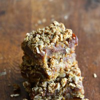 Gluten Free Date Bars with Almonds and Oats (Vegan)