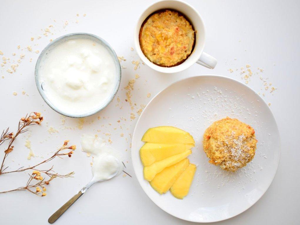 Mugcake met mango en kokos | Ontbijt met een mugcake