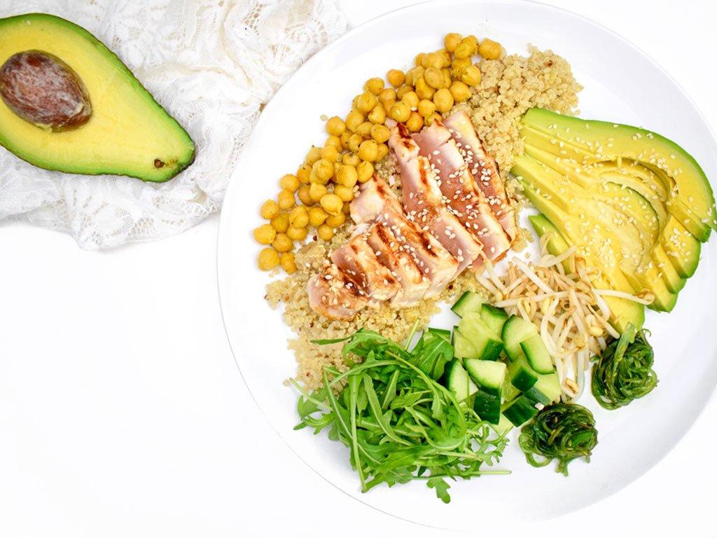 Quinoa salade met verse tonijn | Makkelijk recept | Healthy Wanderlust