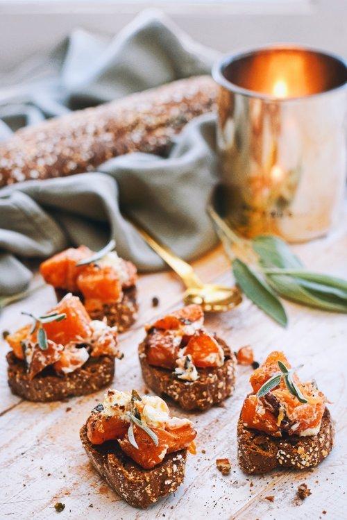 Bruschetta hapje met pompoen | Makkelijk recept | Healthy Wanderlust