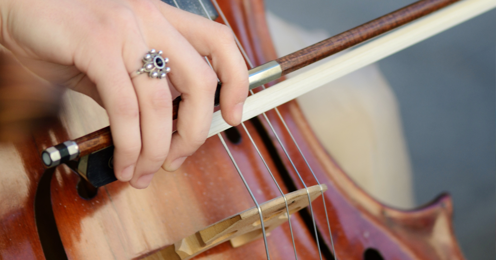 Violist sues Royal Opera House for hearing damage