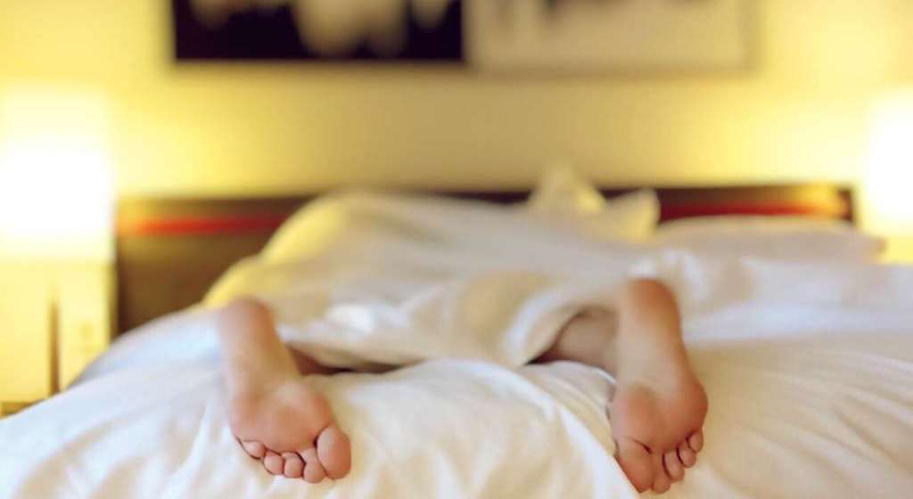 sleeping with hearing loss